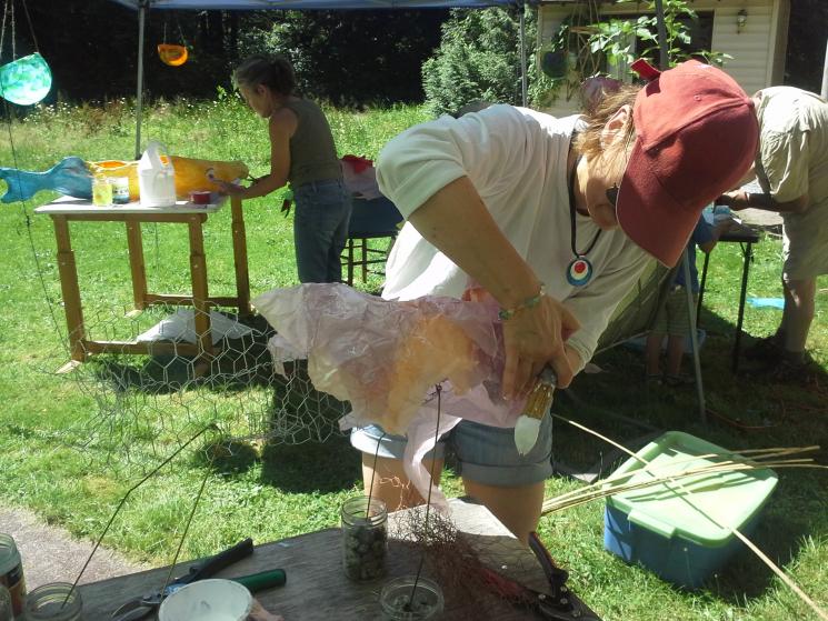 Making a salmon lantern